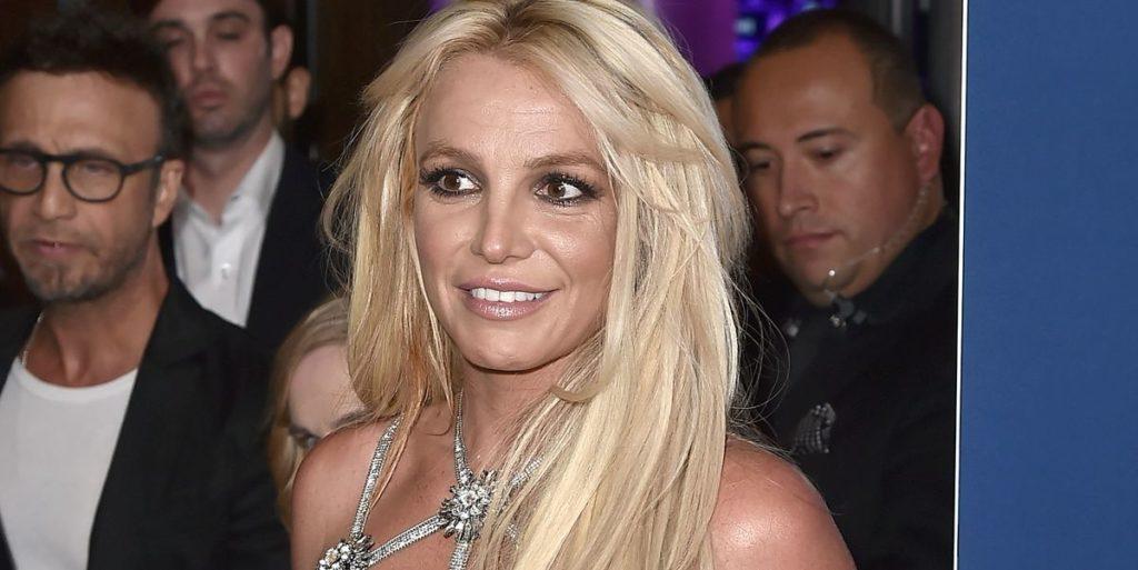 Britney Spears Cut Her Own Bangs in Quarantine