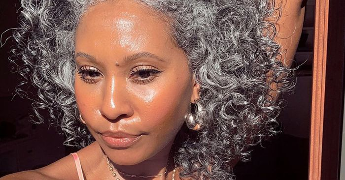 17 Women Who Prove Natural Grey Hair Is Seriously Chic