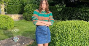 How to Do Knitwear in Summer, According to Alexa Chung