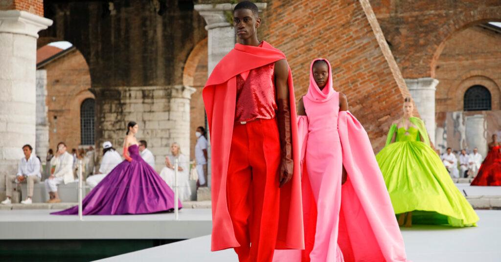 A Fashion Show That Pretty Much Was a Work of Art