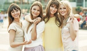 Beautiful Ways To Dress Up This Friendship Day