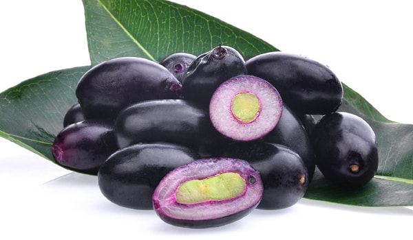 13 Health And Beauty Benefits Of Jamun That Will Astonish!